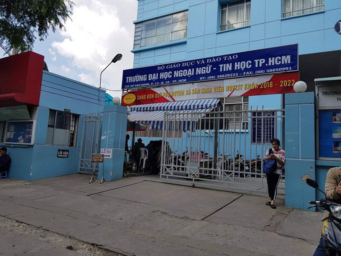 Không công nhận hiệu trưởng Trường ĐH Ngoại ngữ tin học TP HCM - Ảnh 1.