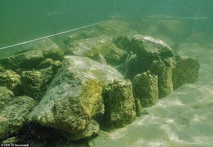 Bí ẩn đáy hồ Constance: thủy cung ma quái xây bởi… người đồ đá? - Ảnh 1.