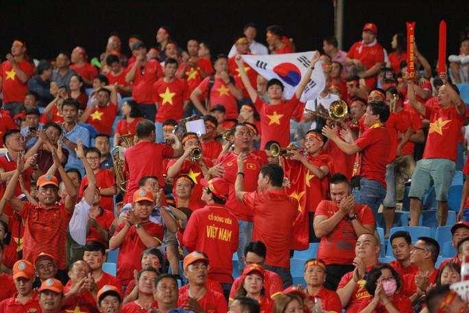 Việt Nam - Malaysia 1-0: Chiến thắng xứng đáng tại chảo lửa Mỹ Đình - Ảnh 5.