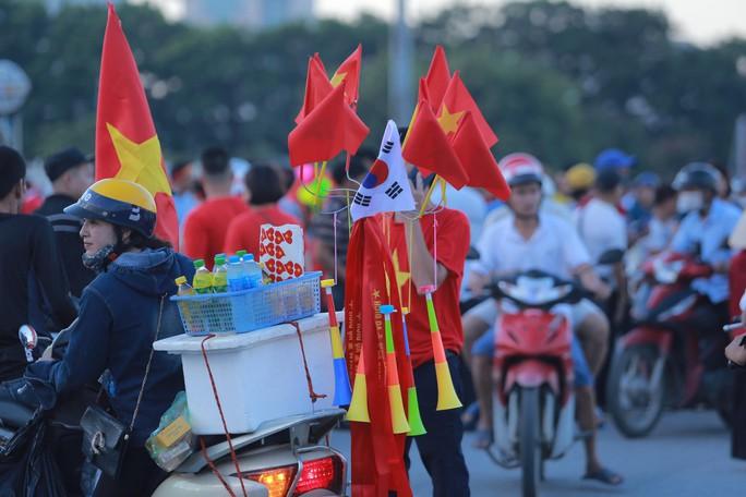 Việt Nam - Malaysia 1-0: Chiến thắng xứng đáng tại chảo lửa Mỹ Đình - Ảnh 22.
