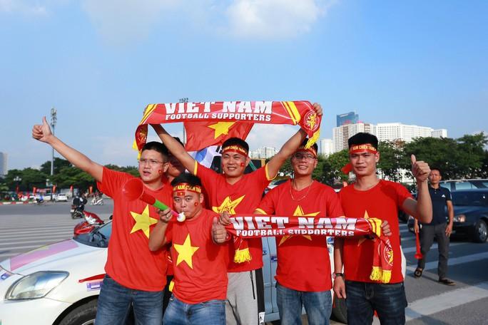 Việt Nam - Malaysia 1-0: Chiến thắng xứng đáng tại chảo lửa Mỹ Đình - Ảnh 19.
