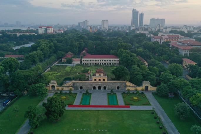 Ngắm những công trình gắn liền với lịch sử 65 năm ngày giải phóng Thủ đô - Ảnh 12.