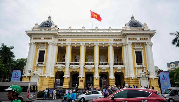 Ngắm những công trình gắn liền với lịch sử 65 năm ngày giải phóng Thủ đô - Ảnh 5.