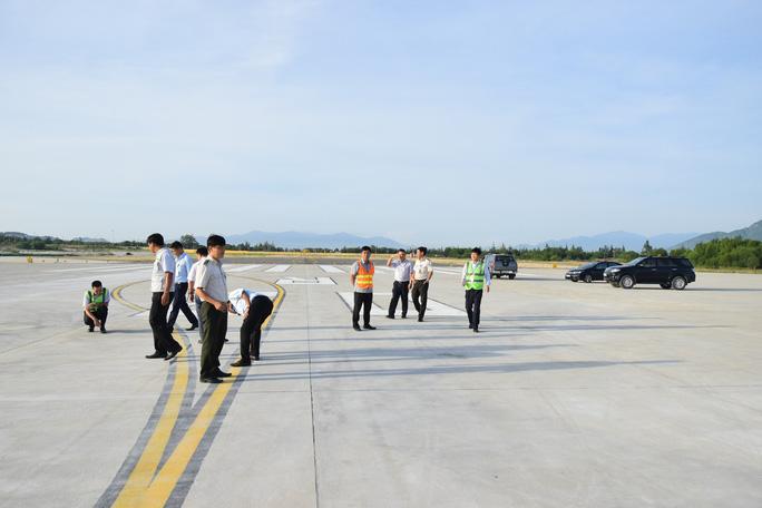 Đưa đường băng số 2 Sân bay Cam Ranh vào khai thác - Ảnh 1.