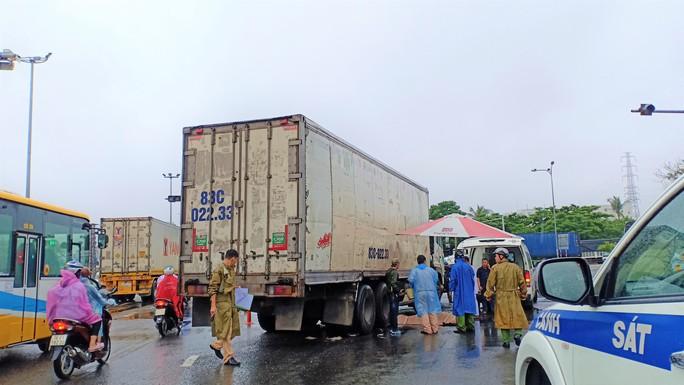 Lại tai nạn chết người tại điểm đen giao thông Đà Nẵng - Ảnh 2.