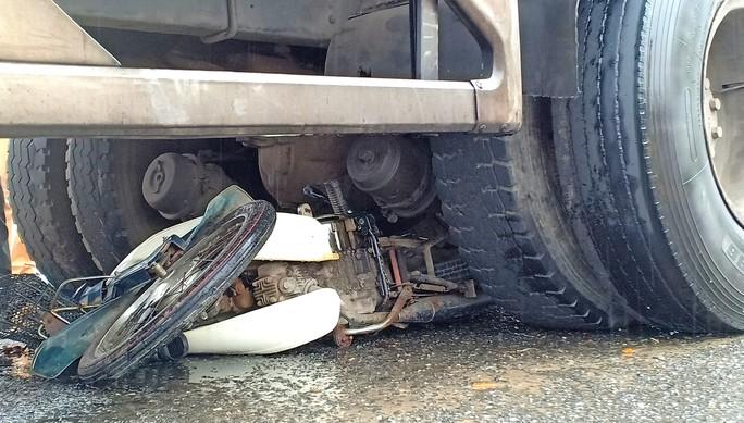 Lại tai nạn chết người tại điểm đen giao thông Đà Nẵng - Ảnh 3.
