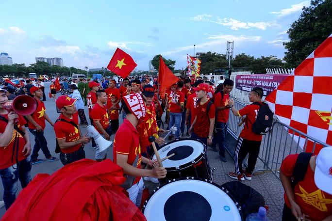 Việt Nam - Malaysia 1-0: Chiến thắng xứng đáng tại chảo lửa Mỹ Đình - Ảnh 17.