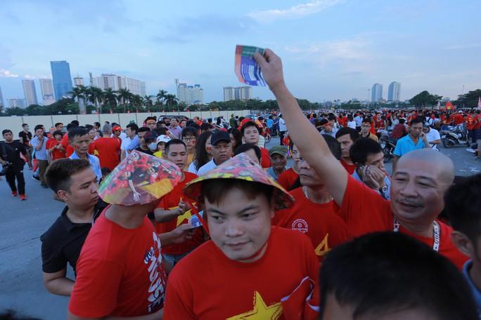 Việt Nam - Malaysia 1-0: Chiến thắng xứng đáng tại chảo lửa Mỹ Đình - Ảnh 23.