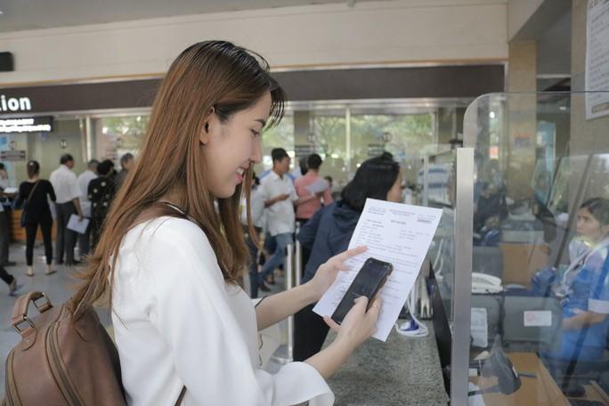 Đi khám ở BV Đại học Y Dược TP HCM  không cần mang tiền mặt - Ảnh 1.