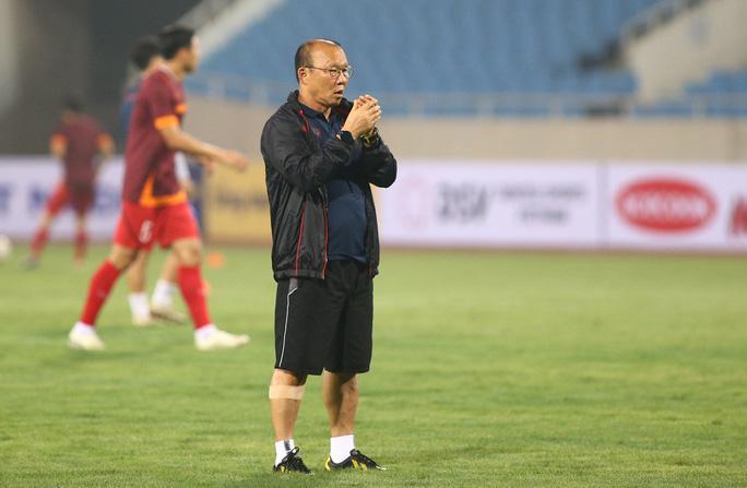 Các chuyên gia nhận định thận trọng trước trận Việt Nam - Malaysia