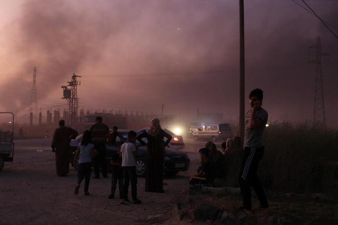 Thổ Nhĩ Kỳ triển khai bộ binh vào Syria, ông Trump lại dọa phá hủy - Ảnh 1.