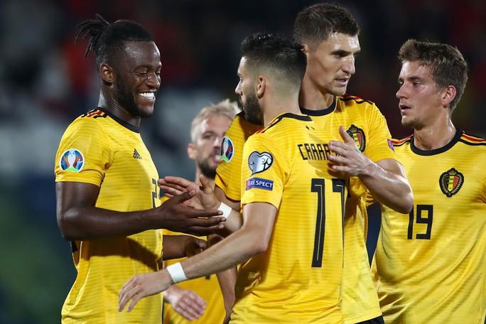Bốc thăm Euro 2020: Bảng tử thần xướng tên Đức, Pháp, Bồ - Ảnh 9.