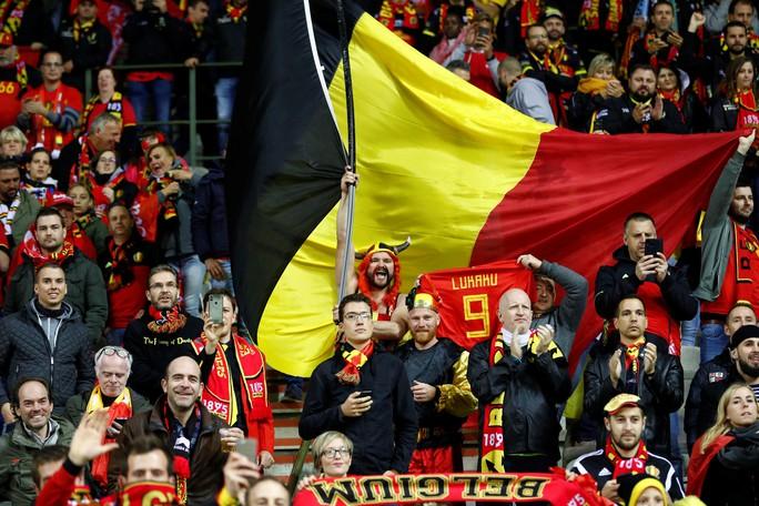 Lukaku lập kỷ lục ghi bàn, Bỉ giành vé đầu tiên đến EURO 2020 - Ảnh 5.