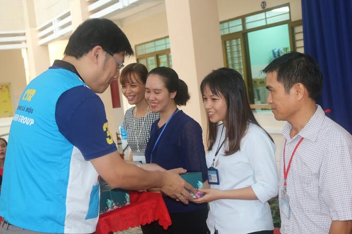 Pou Yuen chia sẻ yêu thương - Ảnh 6.