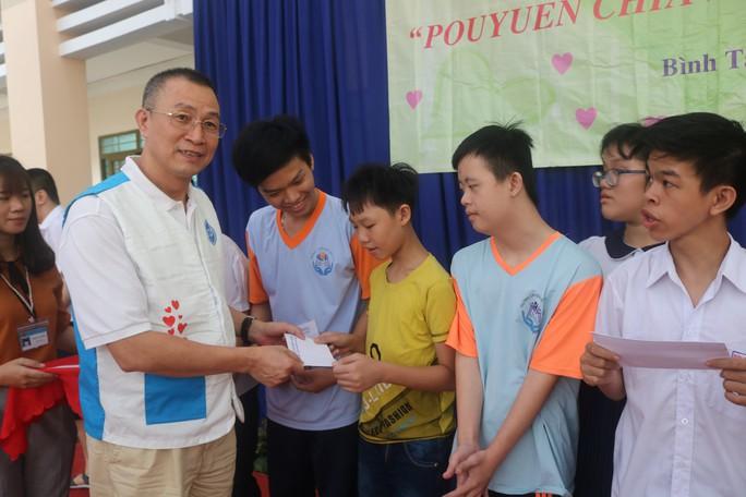 Pou Yuen chia sẻ yêu thương - Ảnh 4.