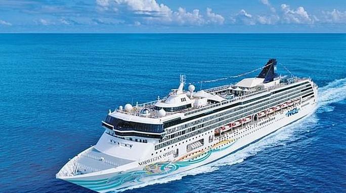 Thảm họa trên tàu du lịch có vé 6.000 USD, hành khách nổi loạn - Ảnh 1.