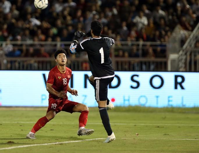 U22 Việt Nam chủ quan, chơi mất tập trung trước U22 UAE - Ảnh 1.