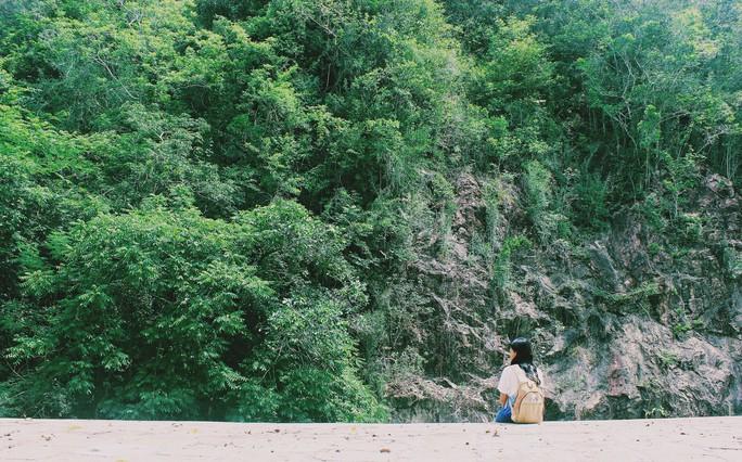 Đập Đồng Cam - báu vật của xứ hoa vàng trên cỏ xanh - Ảnh 5.