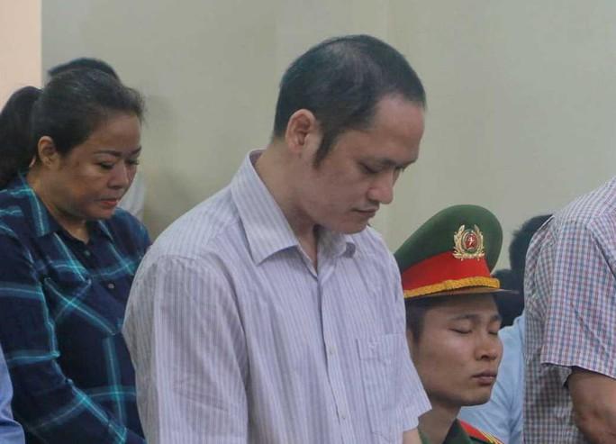 Xử vụ gian lận điểm thi ở Hà Giang: Bị cáo Vũ Trọng Lương khai gì trước tòa? - Ảnh 1.