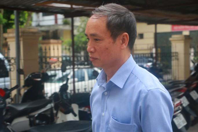 Vắng 101 người, toà xử vụ gian lận điểm thi ở Hà Giang vẫn tiếp tục - Ảnh 3.