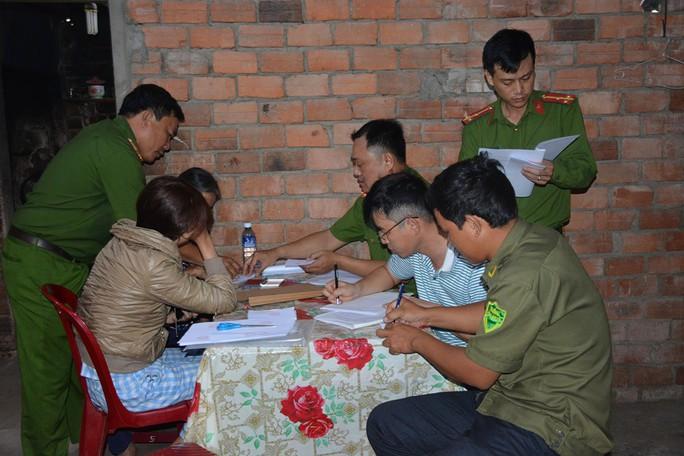 Người phụ nữ ở Quảng Nam sản xuất hơn 700 kg bột ngọt giả - Ảnh 1.
