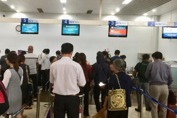 Liên tiếp phát hiện người nước ngoài định xuất cảnh trái phép từ Tân Sơn Nhất - Ảnh 1.