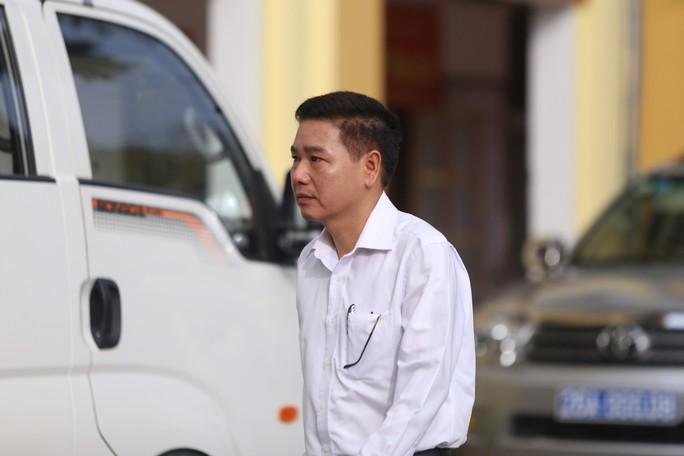 Xử vụ gian lận điểm thi ở Sơn La: Tòa yêu cầu áp giải một số nhân chứng - Ảnh 4.