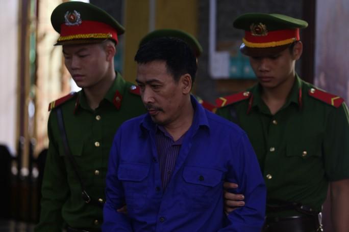 Xử vụ gian lận điểm thi ở Sơn La: Tòa yêu cầu áp giải một số nhân chứng - Ảnh 5.