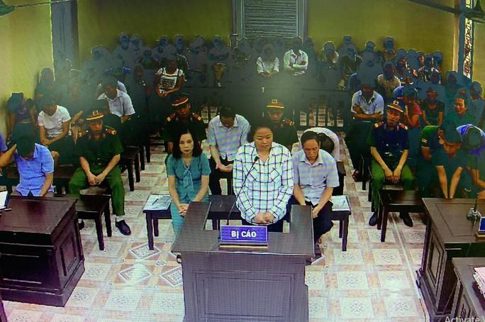 Xử vụ gian lận điểm thi ở Hà Giang: 1,2 tỉ đồng/suất nâng điểm hay để tạo phúc cho mình? - Ảnh 2.