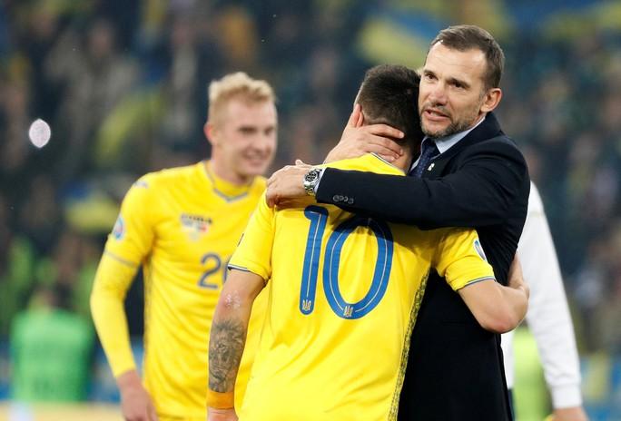 Ronaldo lập kỷ lục, Bồ Đào Nha vẫn trắng tay trước Ukraine - Ảnh 7.