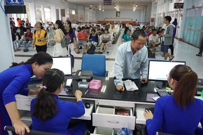 Nóng: Cách mua vé tàu Tết Canh tý 2020 bán từ ngày 20-10 - Ảnh 1.