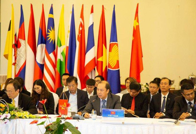 ASEAN - Trung Quốc họp về biển Đông: Ảnh hưởng tiêu cực từ vi phạm của Trung Quốc - Ảnh 1.
