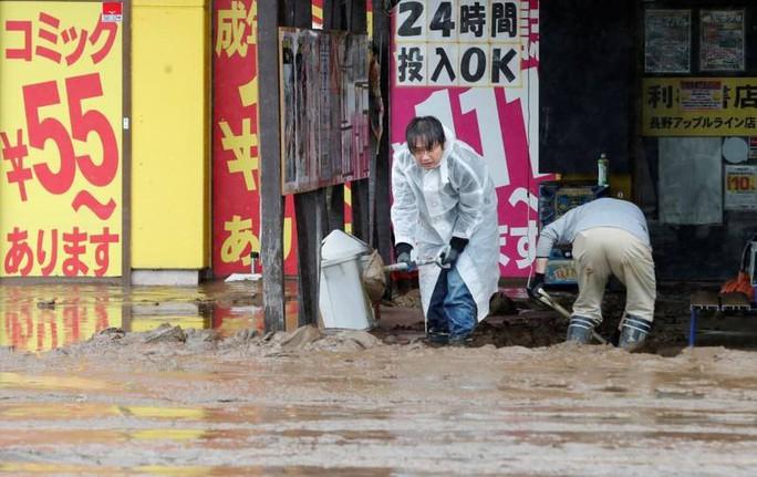 Nhật Bản: Siêu bão Hagibis đẩy nước của 200 con sông tràn bờ - Ảnh 1.