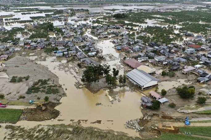 Nhật Bản: Siêu bão Hagibis đẩy nước của 200 con sông tràn bờ - Ảnh 3.
