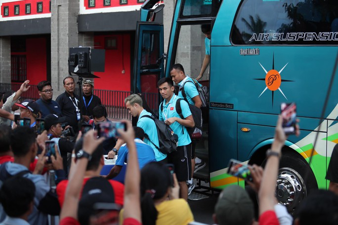 Việt Nam thắng tưng bừng Indonesia 3-1 trên sân khách - Ảnh 7.