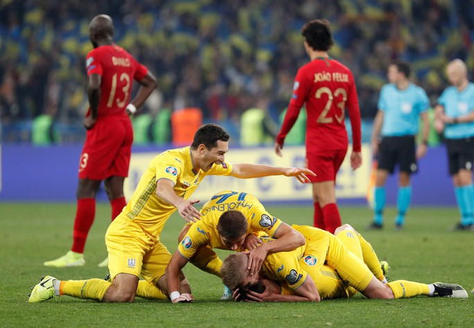 Ronaldo lập kỷ lục, Bồ Đào Nha vẫn trắng tay trước Ukraine - Ảnh 6.
