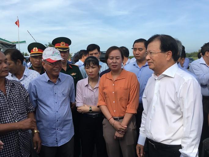 Phó Thủ tướng Trịnh Đình Dũng tiếp xúc người dân vùng dự án sân bay Long Thành - Ảnh 1.