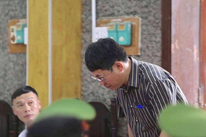 Phó chủ tịch TP Sơn La chỉ nhờ xem điểm, con cháu đều đỗ Học viện An ninh - Ảnh 1.