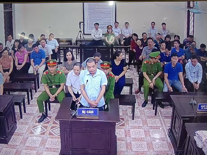 Xử gian lận điểm thi: Công bố lời khai của một loạt lãnh đạo, người thân lãnh đạo tỉnh Hà Giang - Ảnh 2.