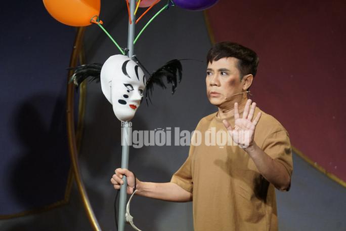 Khóc - cười với anh Bạch bong bóng của NSƯT Thành Lộc - Ảnh 1.