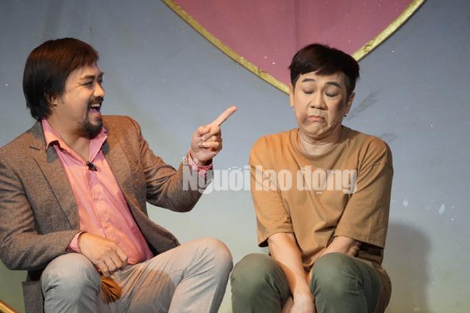 Khóc - cười với anh Bạch bong bóng của NSƯT Thành Lộc - Ảnh 2.