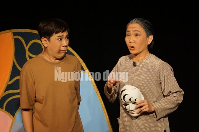 Khóc - cười với anh Bạch bong bóng của NSƯT Thành Lộc - Ảnh 4.
