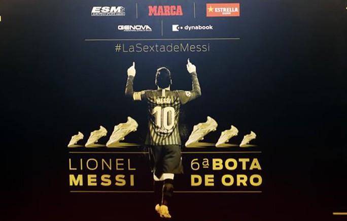 Nhận Chiếc giày vàng thứ 6, Messi tri ân hai nhân vật đặc biệt - Ảnh 10.