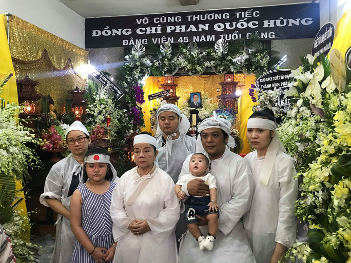 Di quan trong ngày sinh nhật, đồng nghiệp thương tiếc nghệ sĩ Phan Quốc Hùng - Ảnh 4.