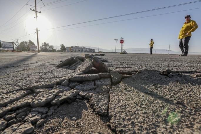 Đứt gãy khổng lồ thức giấc, động đất lớn chực chờ California  - Ảnh 1.