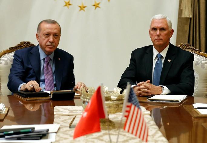Syria: Thổ Nhĩ Kỳ ngưng chiến 5 ngày, chừa đường rút cho người Kurd - Ảnh 1.