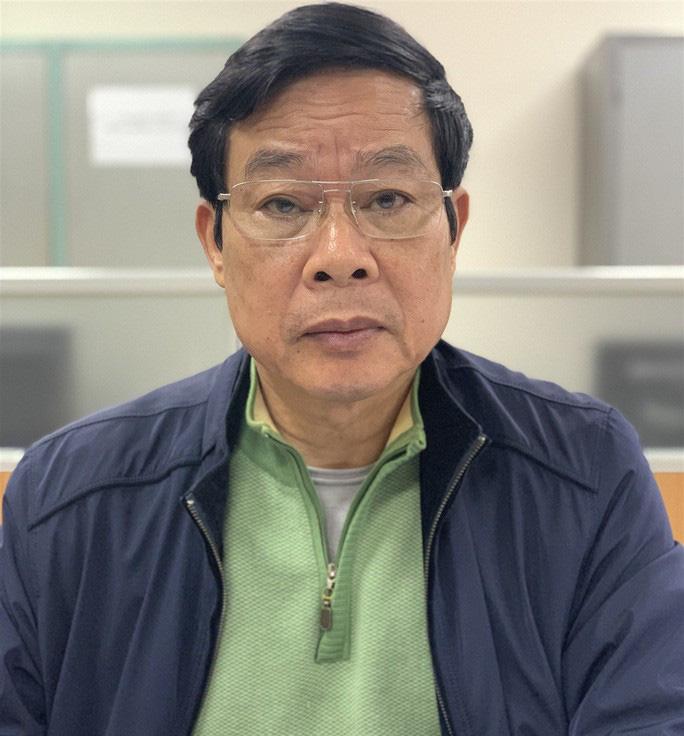Nhận 3 triệu USD, cựu bộ trưởng Nguyễn Bắc Son đưa cả tiền ra ban công cất giấu - Ảnh 1.