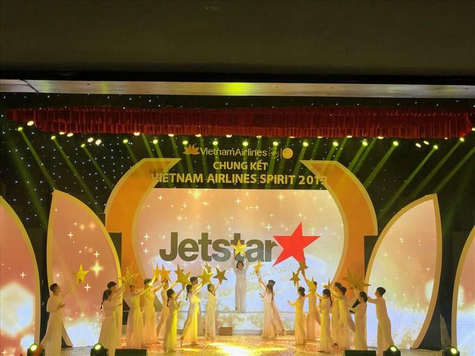 Sôi nổi hội diễn nghệ thuật Vietnam Airlines Spirit 2019 - Ảnh 2.