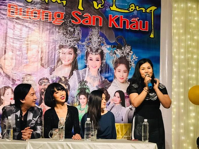 NSUT Kim Tu Long doi live show vi Cung Van hoa Huu Nghi Viet Xo bi chay
