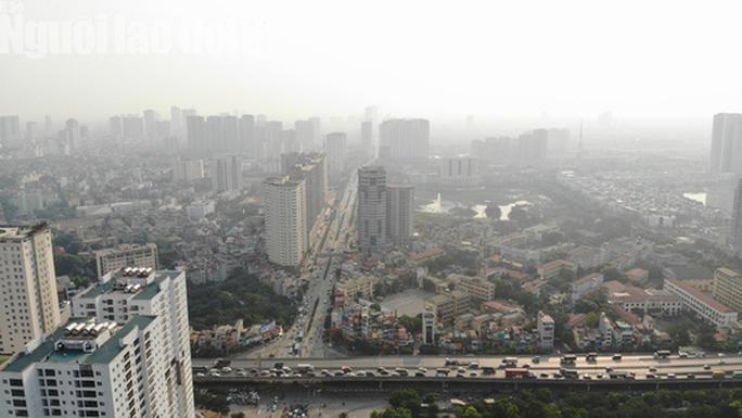 Hình ảnh không khí đặc quánh, mờ mịt ở Hà Nội - Ảnh 2.